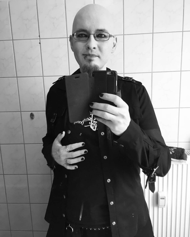 Sascha Dinse, Schriststeller, Geek, Goth