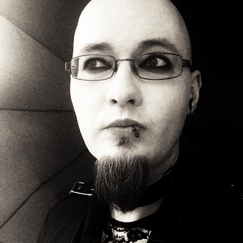 Sascha Dinse, goth as fuck :P Schriftsteller Horror und Science-Fiction